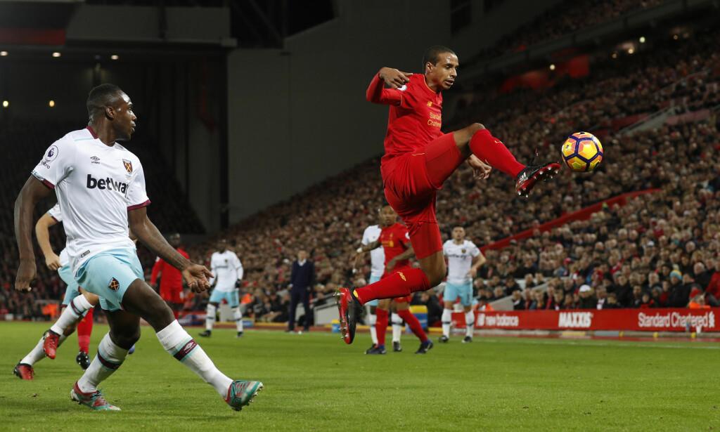 VIL BIDRA: Joel Matip er spilleklar, men Liverpool tar ingen sjanser - ennå. Foto: NTB Scanpix