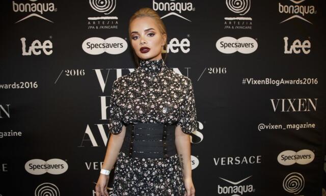 5650e6dd SOSIAL ANGST: Blogger Sophie Elise ankommer Vixen Blog Awards 2016 på Grand  Hotel i Oslo