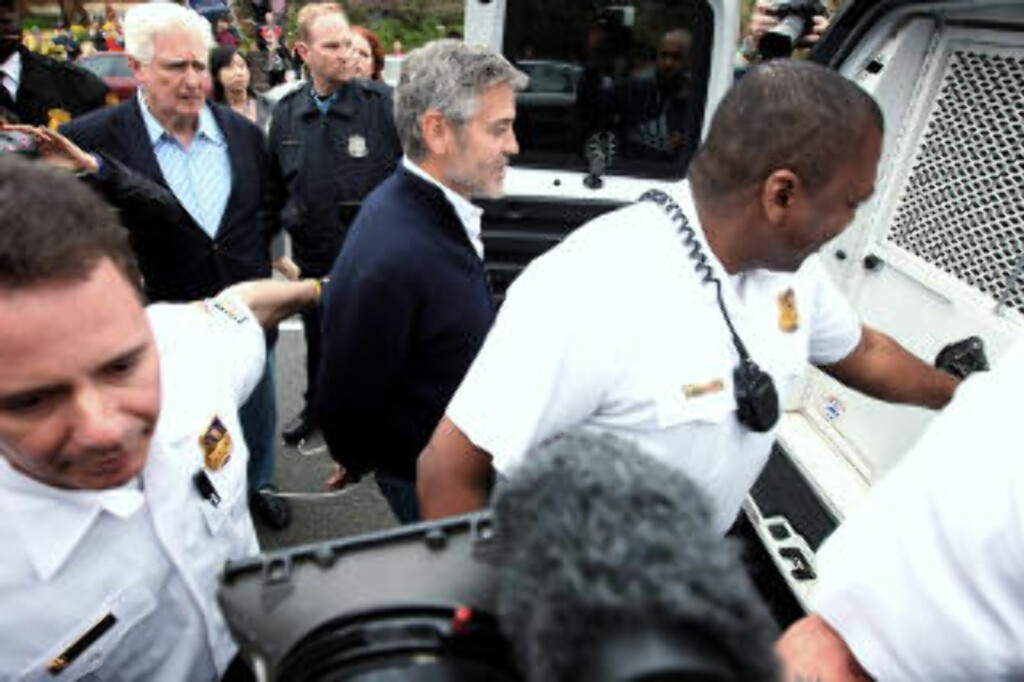 I ARRESTEN: George Clooney ble arrestert i Washington i mars. Foto: Alex Wong / Getty Images / AFP Photo / NTB Scanpix