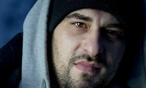 image: «Jeg vet du er sønn av en bosnier», sa mannen. Jeg torde ikke havne i flere slåsskamper etter det