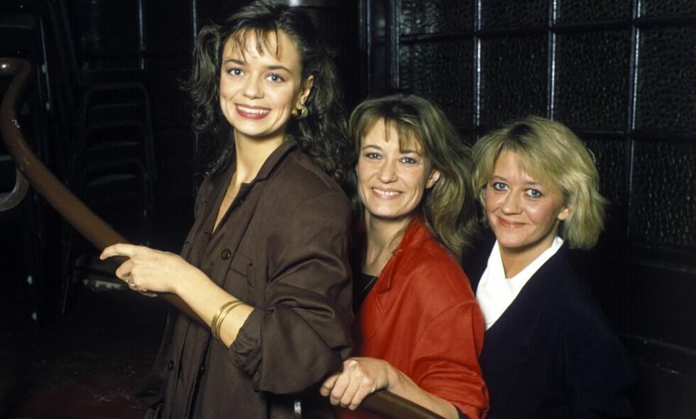 KJENTE SØSTRE: De tre søstrene Gisken Armand, Merete Armand (i midten) og Frøydis Armand har alle gjort stor suksess som skuespillere.  Foto: NTB scanpix