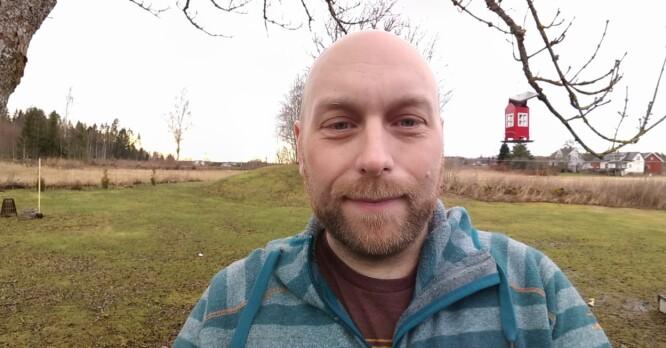 <strong>SELFIE-PANORAMA:</strong> Ta en selfie og bikk deretter kameraet en gang til hver side, så fanges et bredere bilde. Foto: Pål Joakim Pollen