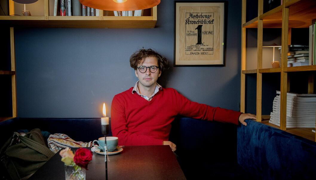 VENNSKAP: Demian Vitanza er glad for boka, men like glad for at han har møtt et menneske, som til tross for at de har totalt ulik virkelighetsforståelse, er blitt venner. Foto: Bjørn Langsem / Dagbladet
