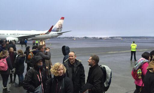 image: Mann var for sein til flyet på OSL, trykte på brannalarmen. Førte til stor evakuering