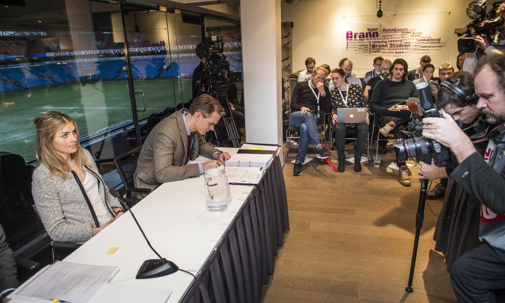 FULGTE SAKEN: Administrativt ansvarlig for langrenn, Espen Bjervig, fulgte saken mot Therese Johaug i domsutvalget fra første rad (Bjervig til venstre). Foto: Lars Eivind Bones / Dagbladet