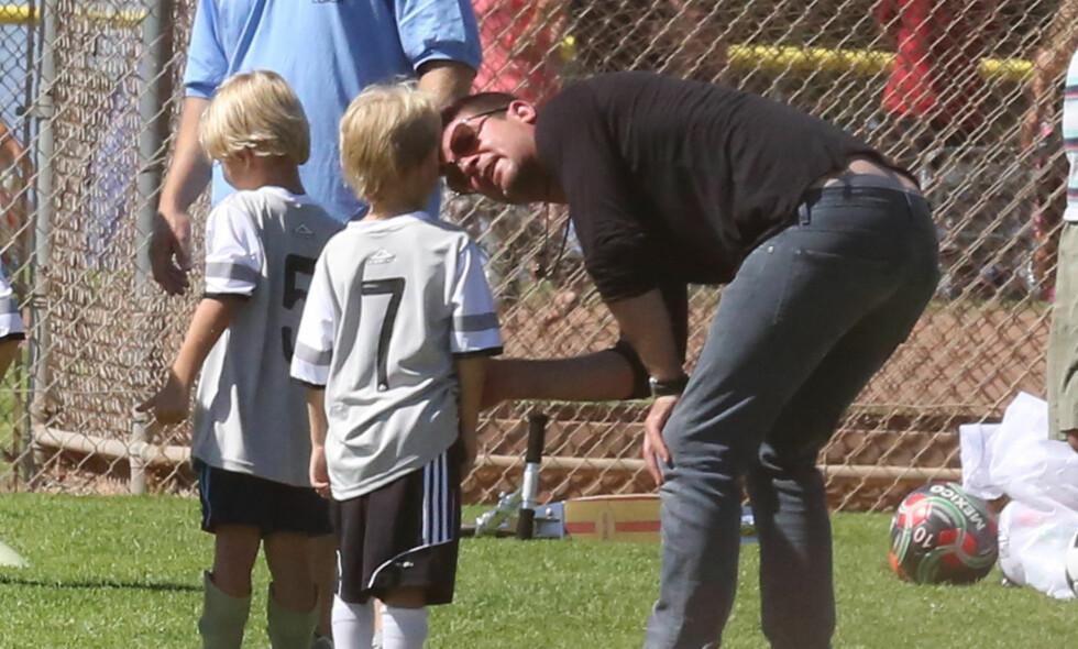 FÅR IKKE SE SØNNEN: Robin Thicke får ikke lenger nærme seg sønnen Julian etter at han har blitt idømt et midlertidig besøksforbud. Foto: NTB Scanpix