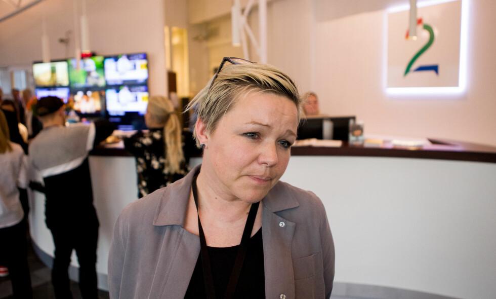 NEDBEMANNINGER: Flere reagerer på at ansatte i TV 2 som har fått beskjed om at de er overtallige, får tilbud om sluttpakke med et vikariat. Henrikke Helland, leder av redaksjonsklubben, sier de opplever at ledelsen ønsker å gjøre det mer attraktivt å ta sluttpakke. FOTO: Bjørn Langsem / Dagbladet