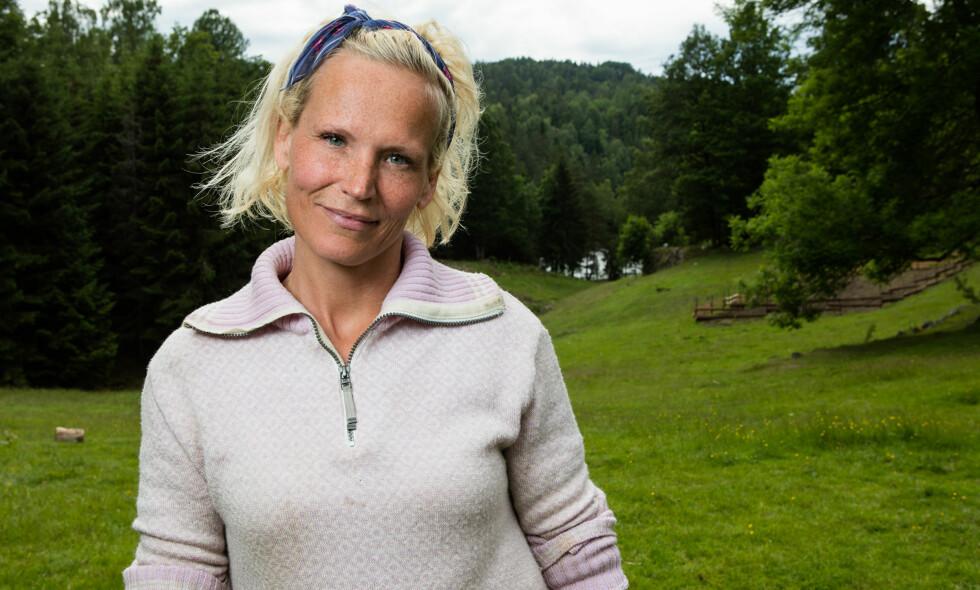 VILLE HJEM: Programleder Ingeborg Myhre (42) har tidligere gitt uttrykk for at savnet etter familien var uutholdelig under «Farmen». Overfor Dagbladet erkjenner 42-åringen at hun tapte kveldens tvekamp med vilje. Foto: Alex Iversen / TV 2