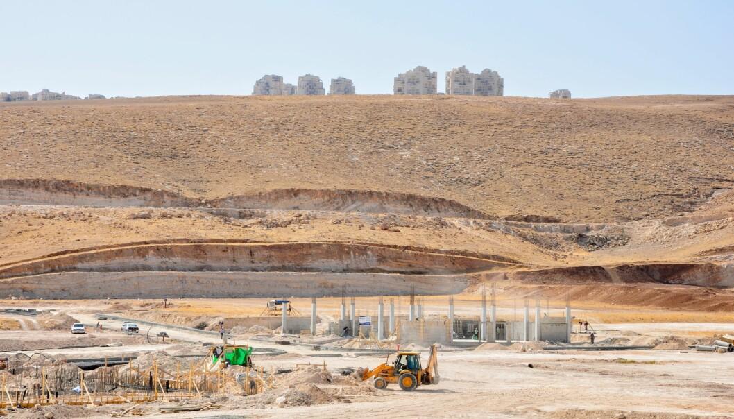 <strong>FINANSIERER:</strong> Israelske banker finansierer ulovlige bosettinger. Dette er en pågående utvidelse av det ulovlige industriområdet Mishor Adumim i Jordan Valley. Foto: Danwatch.&nbsp;