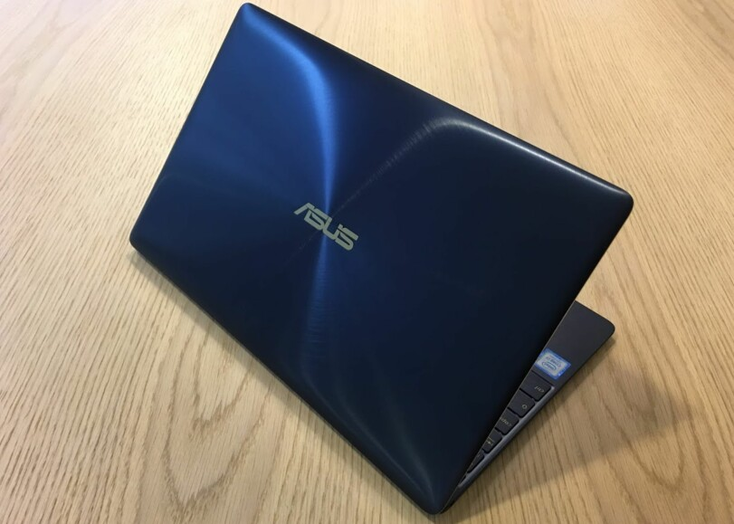EKSKLUSIV LOOK: Zenbook 3 er en PC som tåler å bli vist fram. Foto: Bjørn Eirik Loftås