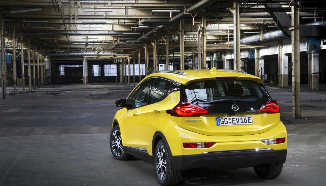 <strong>Flere gode nyheter:</strong> Opel lover oss enda flere gode nyheter i løpet av kvelden. Foto: Opel