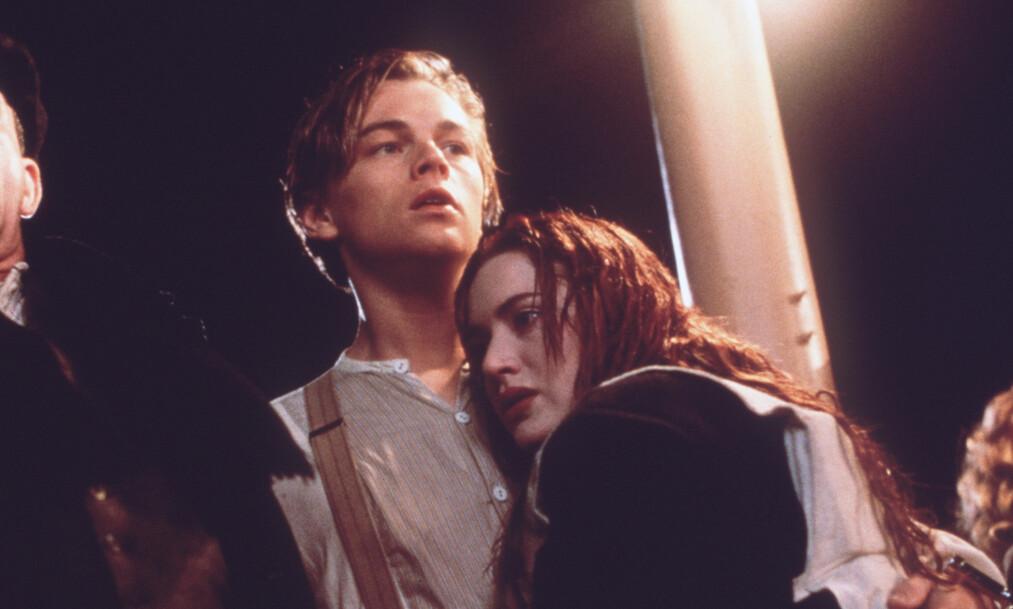 <strong>TITANIC:</strong> Regissør James Cameron svarer på hvorfor Rose, spilt av Kate Winslet, ikke bare ga plass til Jack, spilt av Leonardo DiCaprio, på flåten, og hvordan Jack ikke ville overlevd Titanic-forliset. FOTO: Kpa / NTB Scanpix