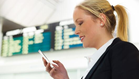 Fjerner roamingavgiftene i EU, som også gir nordmenn lavere mobilpriser