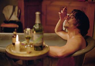 Hevder Johnny Depp bruker to og en halv million kroner på vin - i måneden