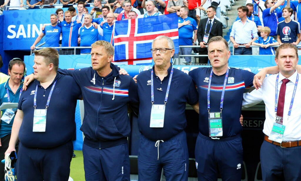 SUKSESSTRENER: Lars Lagerbäck (i midten). Foto: EPA/SRDJAN/NTB Scanpix