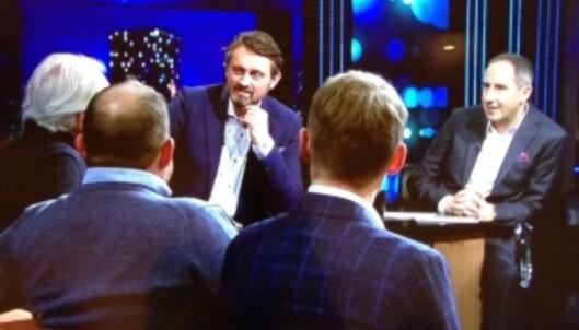 GJESTER HOS THOMAS OG HARALD: Eyvind Hellstrøm, Truls Svendsen og Henrik Kristoffersen i sofaen til «Senkveld»-gutta.