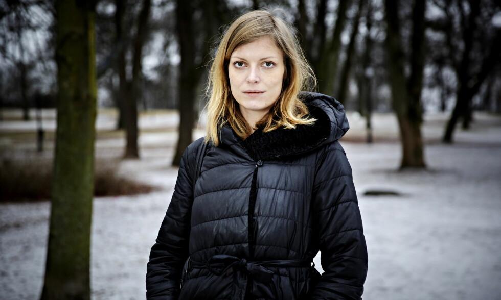 """DANSK DIKTER: Asta Olivia Nordenhof (29) er en av Danmarks største diktere. <span style=""""background-color: initial;"""">Det siste halvannet året har hun jobbet ved Forfatterskolen i København, der hun også har studert. Foto: Nina Hansen / Dagbladet</span>"""