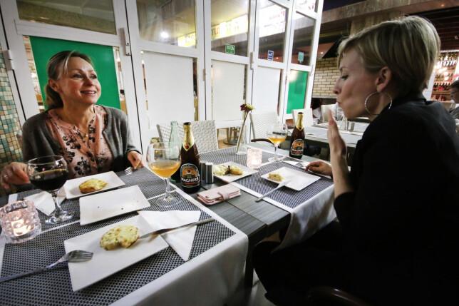 HVOR SKAL DU SPISE? Det er rimelig å spise ute på Gran Canaria. Vi spiste 3-retters middag inkludert drikke på denne restauranten, som skulle være en av de beste i Puerto Rico, for 200 norske kroner. Foto: Ole Petter Baugerød Stokke