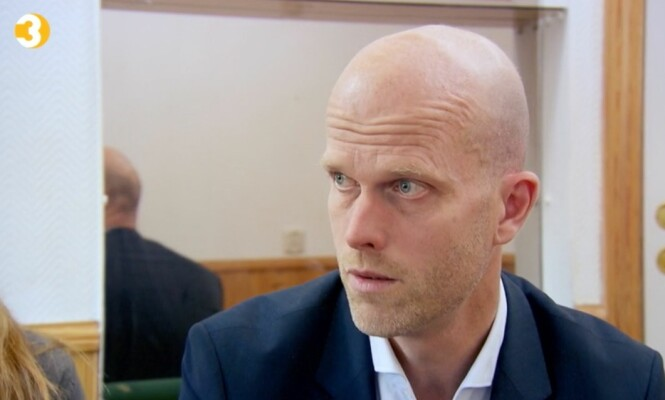 <strong>SJOKKERT:</strong> Hallgeir er sjokkert over hvor mye penger Azfar har klart å sløse bare på spilling. Foto: TV3