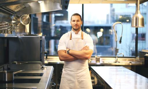 SKREI-VENN: Mikael Svensson eksperimenterer gjerne med de ulike delene av skreien. I restaurant Kontrast bruker han absolutt alt på fisken.