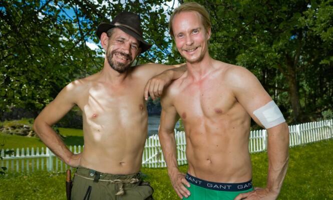 NY STIL: Petter (t.h) sammen med Lothepus inne på «Farmen Kjendis». FOTO: Alex Iversen, TV 2.