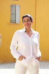FARGERIK: - Jeg liker å spise i farger, sier Aicha Bouhlou. FOTO: Odd E. Nerbø