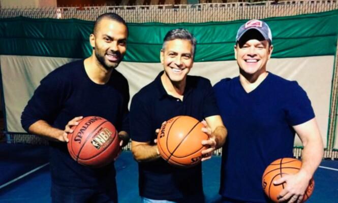 VISSTE HAN DET HER? Skuespillerkompisene Tony Parker, George Clooney og Matt Damon viste fram basketkunster på Instagram i november. Foto: NTB Scanpix