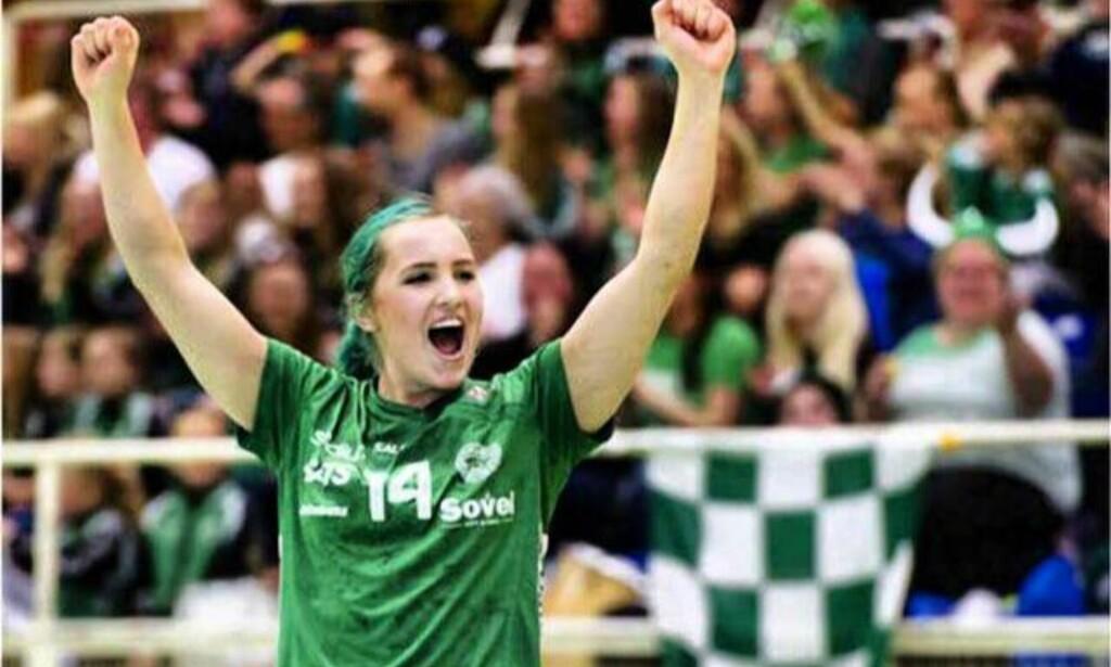 TRE SVERIGEMESTERSKAP: Men Linnea Claeson (25) opplever at det ikke dreier seg om prestasjonene. Foto: Privat