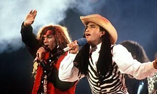 KORTVARIG GLEDE: Fab Morvan og Rob Pilatus fra duoen Milli Vanilli avslørte at de ikke sang selv, og måtte dermed levere tilbake Grammy-statuetten de fikk i 1990. Foto: NTB scanpix