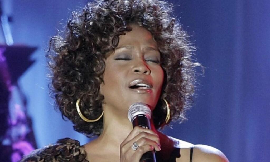 TRAGISK: Sanger Whitney Houston ble funnet død i badekaret 11. februar - dagen før hun egentlig kunne opptre på Grammy Awards. Foto: NTB scanpix