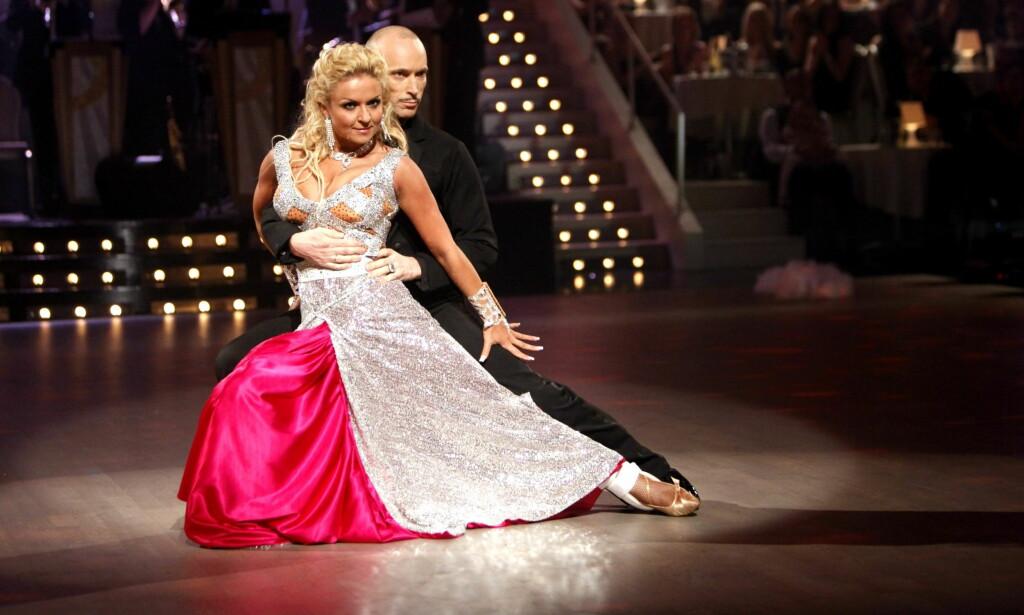 STAKK AV MED SEIEREN: Åsleik vant i 2010 «Skal vi danse» sammen med Nadya Khamitskaya. Foto: NTB scanpix