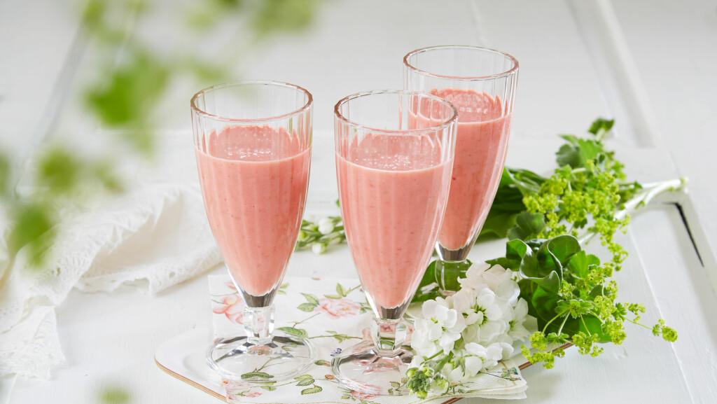 FORFRISKENDE: Smoothie smaker aller best på sommeren!  Foto: frukt.no