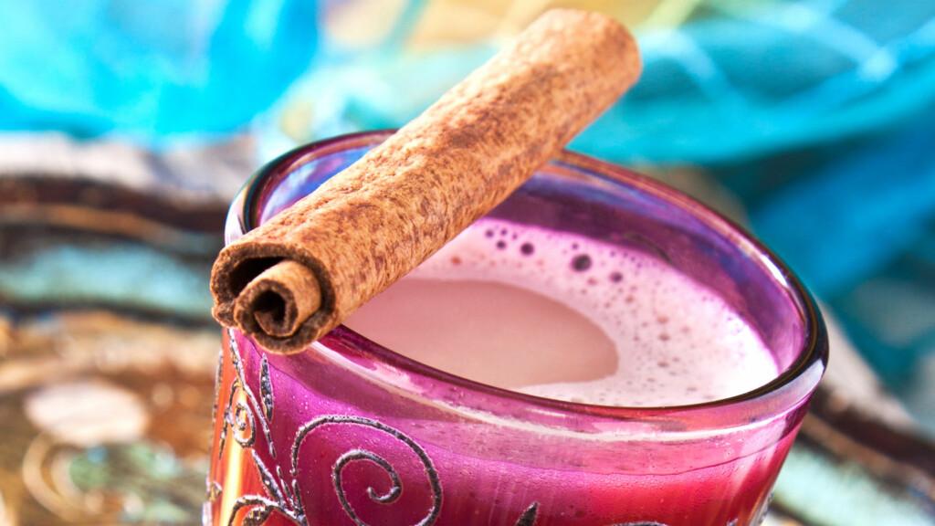 Lag deilig hjemmelaget chai latte i helgen. Foto: Fotolia