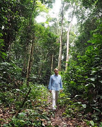 <strong>I REGNSKOGEN:</strong> Klima- og miljøminister Vidar Helgesen besøkte DR Kongo og regnskogen i fjor. Foto: Klima- og miljødepartementet