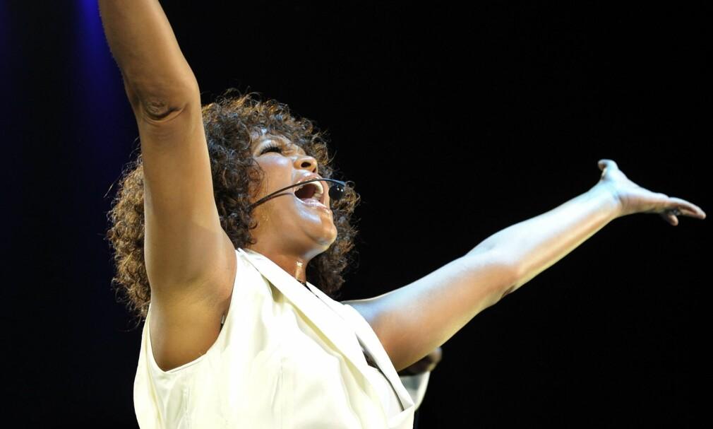HOUSTON PÅ TOPP: Låta «I Will Always Love You» av Whitney Houston gir flest amerikanske collegestudenter gåsehud. Foto: Walter Bieri / NTB Scanpix