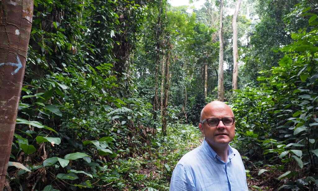 KREVER SVAR FRA MILJØ-VIDAR: Arbeiderpartiet krever svar fra miljøvernminister Vidar Helgesen (bildet) etter at han har gitt store beløp til omstridt regnskog-prosjekt i Kongo. Her fra Helgesens besøk i Kongo sist sommer. Foto: Klima og miljødepartementet.