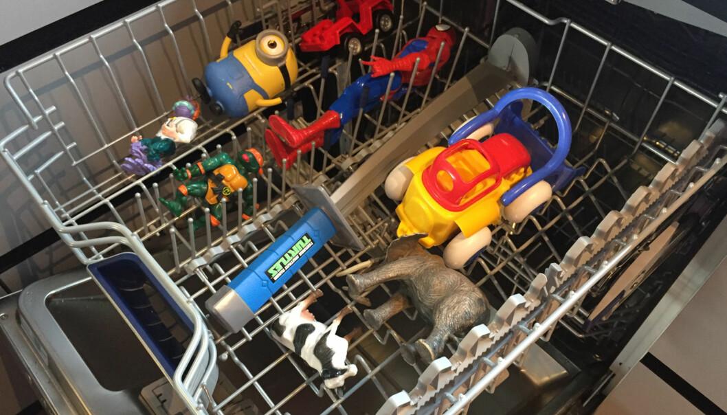 <strong>ENKELT OG GREIT:</strong> Selvsagt kan du legge lekene i oppvaskmaskinen. Foto: Linn M. Rognø