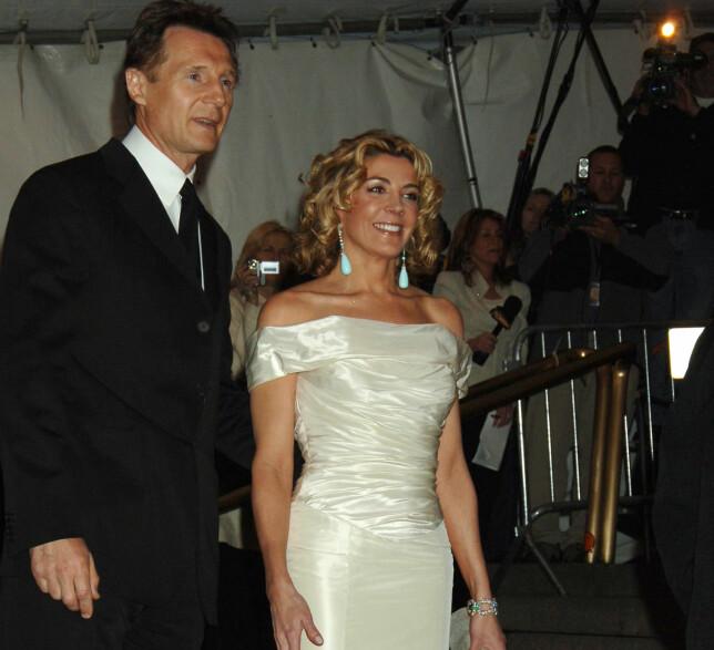 MISTET KONA: Liam Neeson sammen med Natasha Richardson på MET-gallaen i New York i mai 2005, nesten fire år før hun døde. Foto: Jennifer Graylock/ AP/ NTB scanpix