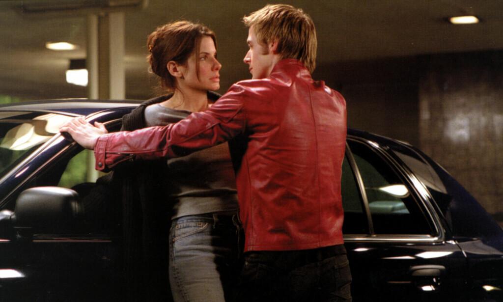 MOTSPILLERE: Sandra Bullock og Ryan Gosling i en scene fra «Murder by Numbers», som gikk på kino i 2002. Foto: Mary Evans Picture/ NTB scanpix