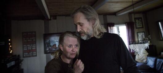 Fra en gård langt inne i den trønderske fjellheimen sprer Bjørn Inge (46) og Siw Hege (42) propaganda om barnevern og norske myndigheter