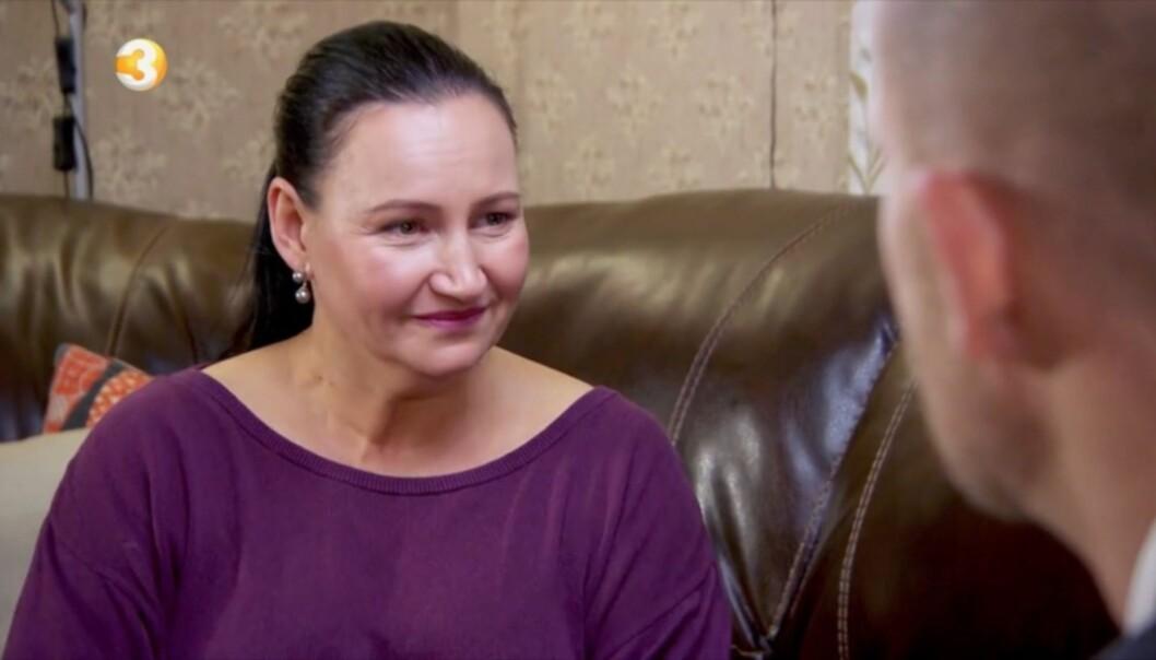 EN TØFF TID: Scarlet fikk tårer i øynene flere ganger under konfrontasjonen med «Luksusfellen»-ekspertene. Foto: TV3