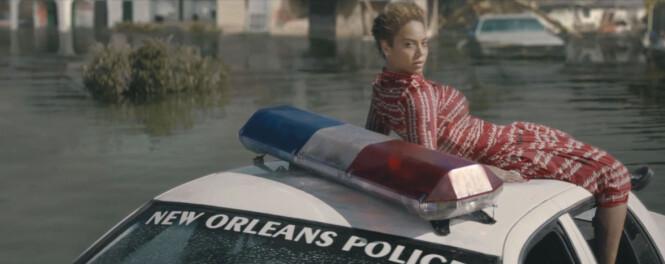 <strong>POLITISK:</strong> Beyoncés musikkvideo til låta «Formation» tok opp flere politiske ting, som fikk flere til å reagere. Luksusstilen var likevel i behold. Foto: NTB scanpix, Parkwood