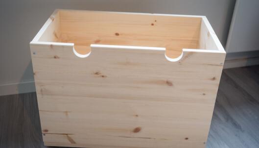 <strong>LEK:</strong> Lag en enkel kasse som kan brukes til leker eller annen oppbevaring. Håndtak kan du velge selv, men det kan være lurt å feste hjul under kassen. FOTO: Simen Søvik