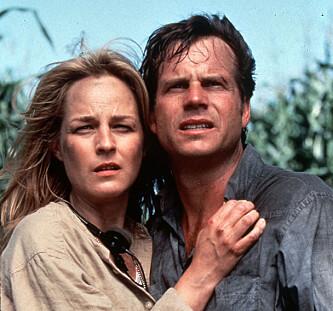 <strong>TWISTER:</strong> Bill Paxton og Helen Hunt i filmen Twister fra 1996. FOTO: Universal Pictures