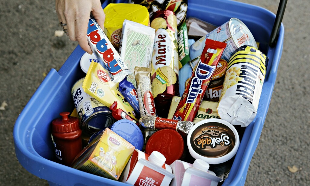 IKKE PEILING: Forbrukerrådets app handler om å sammenligne prisen på matvarer myndighetene egentlig ikke vil vi skal spise. Foto: Scanpix