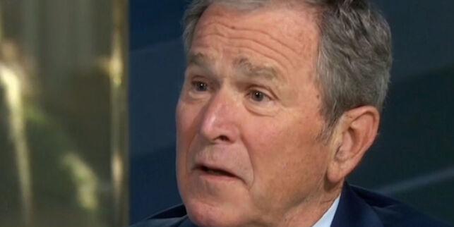 image: George W. Bush bryter Trump-tausheten. Krever Russland-svar og hyller den frie pressen