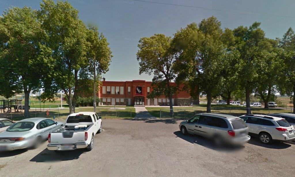 SMÅBY: Den lille byen Dietrich har blitt sterkt preget av hendelsen i 2015. Her den videregående skolen på stedet. Foto: Google Maps