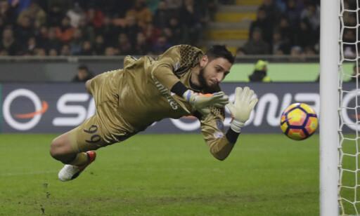 ISKALD: Gianluigi Donnarumma blir aldri nervøs når han spiller fotball. Foto: AP Photo/Luca Bruno/NTB Scanpix