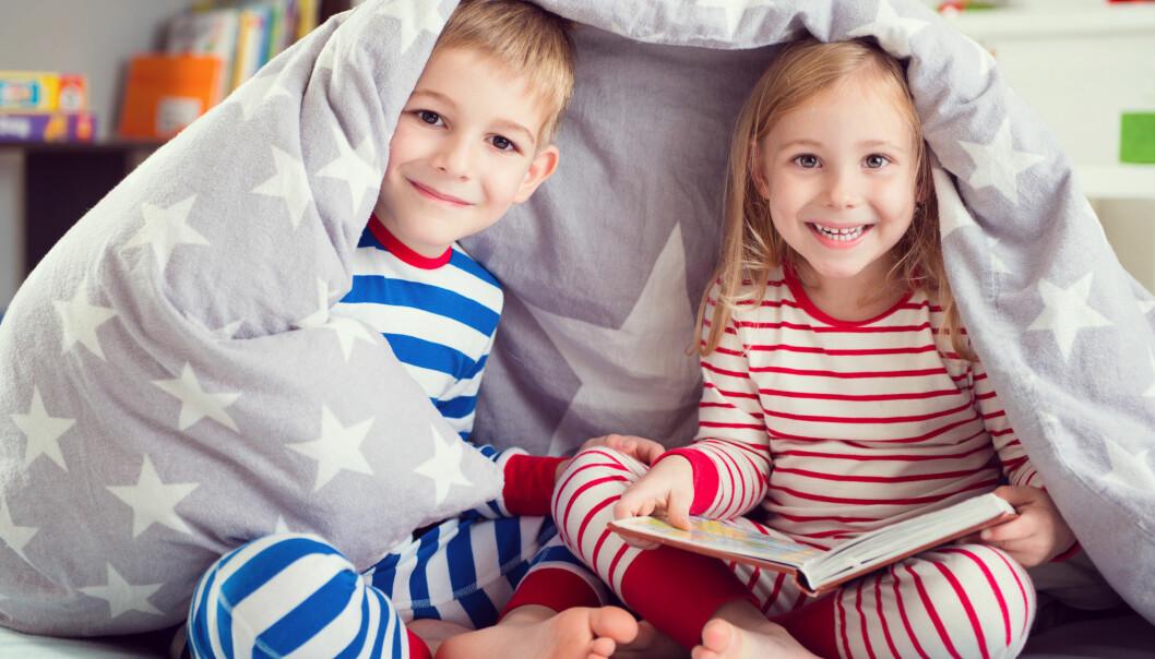 PSEUDOTVILLINGER: Søsken som er født med mindre enn 18 måneders mellomrom, kan få et helt spesielt bånd. Foto: NTB Scanpix