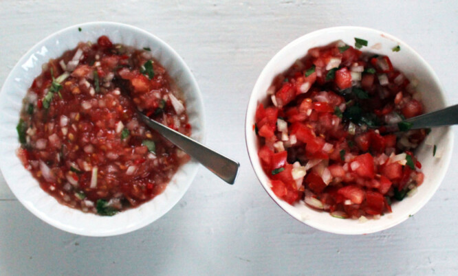 <strong>GOD KONSISTENS:</strong> River du tomatene, vil du få konsistensen som er vist til venstre på dette bildet. Foto: Elisabeth Dalseg.